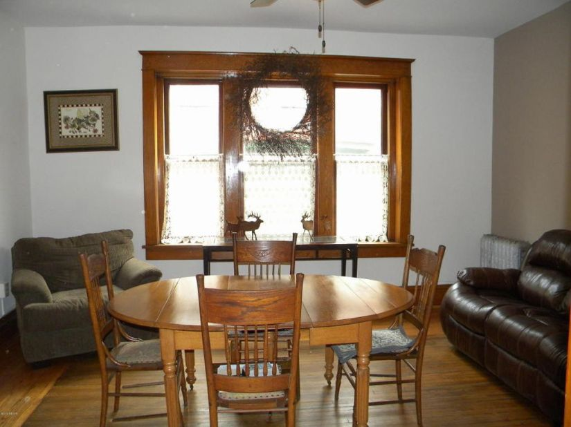 Huron 622 Dining Room